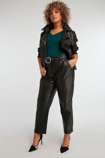 Pantalon en similicuir avec ceinture