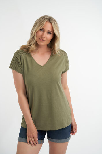 T-shirt avec épaules ajourées